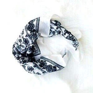 ❤️NEW❤️ JCrew White Cotton Paisley Flower Bandana